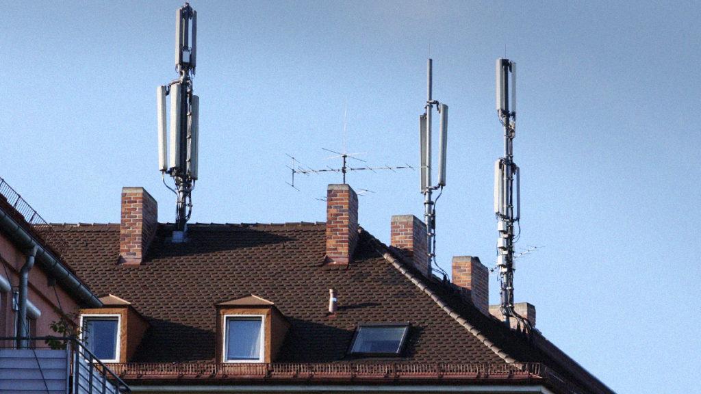 Strahlender Mobilfunk - Nur in Deutschland ungefährlich?